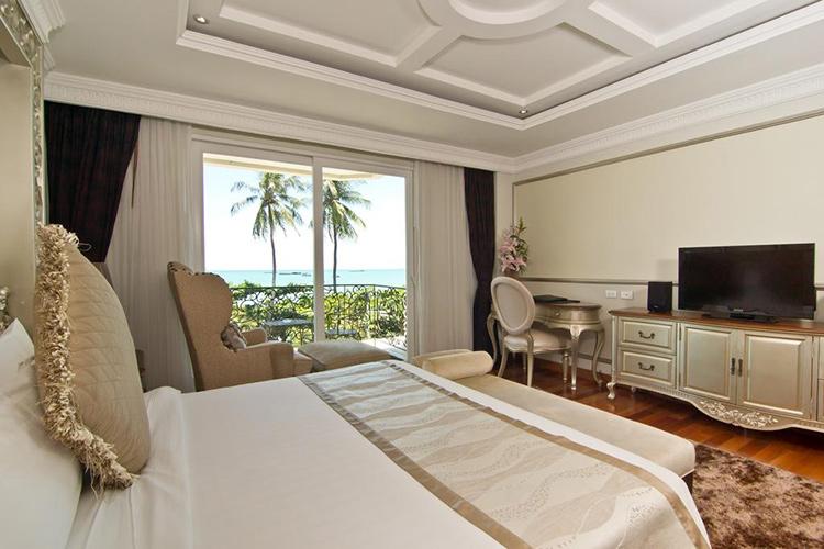 Лучшие отели центральной Паттайи у моря: LK the Empress
