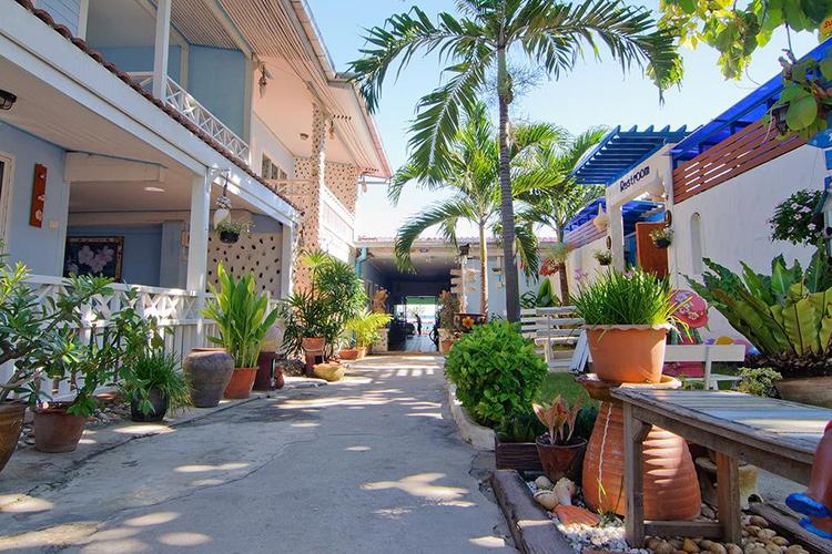 Отели на острове ко Лан, Паттайя. Sukkee Beach Resort.