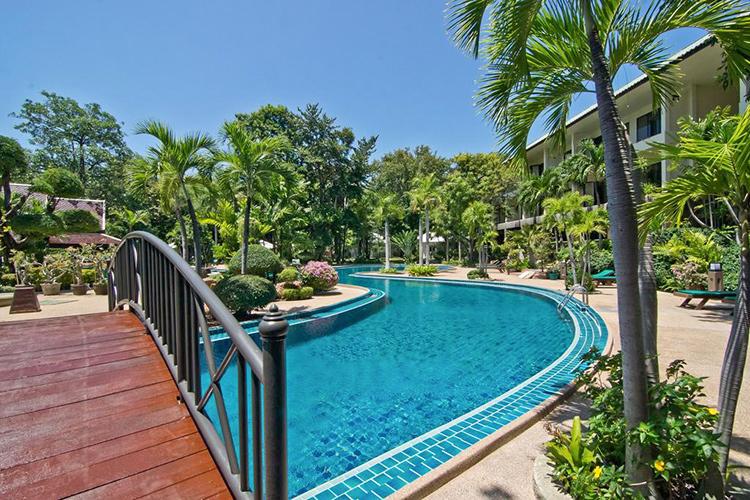 Лучшие отели, север Паттайи. На фото: The Green Park Resort.