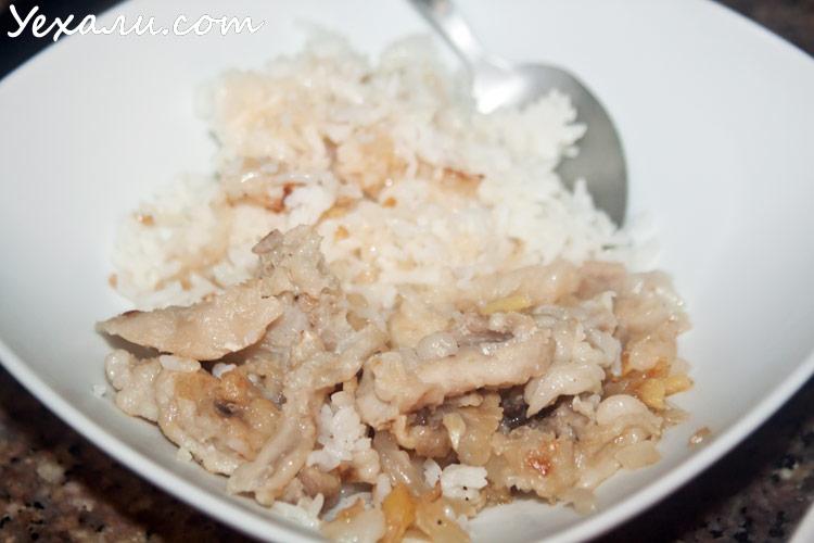 Экзотическая еда из магазина Tesco Lotus в Паттайе: крокодиловое мясо