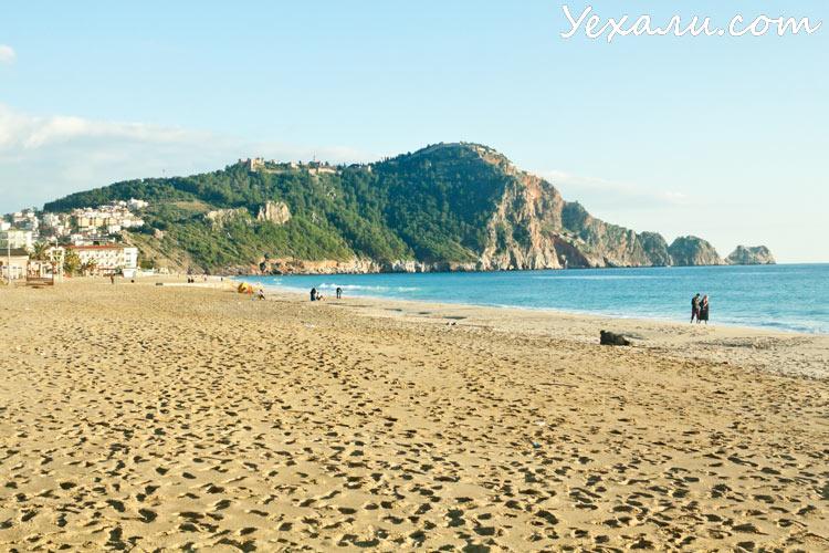 Лучшие пляжи Турции: пляж Клеопатры в Алании.