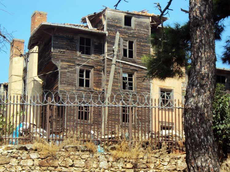 Достопримечательности Принцевых островов Стамбула: Греческий приют