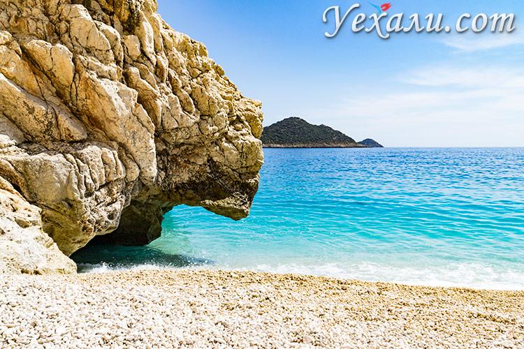 Рейтинг самых красивых пляжей Турции: пляж Капуташ.