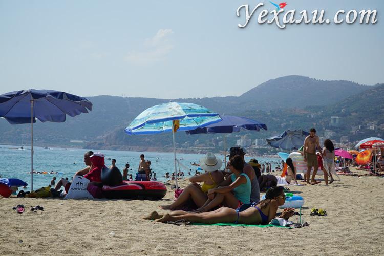Фото пляжа Клеопатры, Аланья, Турция.