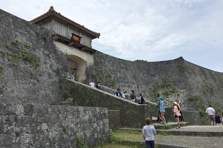 Замок Сюри, остров Окинава, Япония.