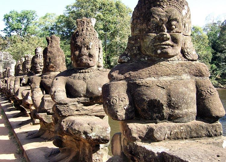 Храмовый комплекс Ангкор в Камбодже.