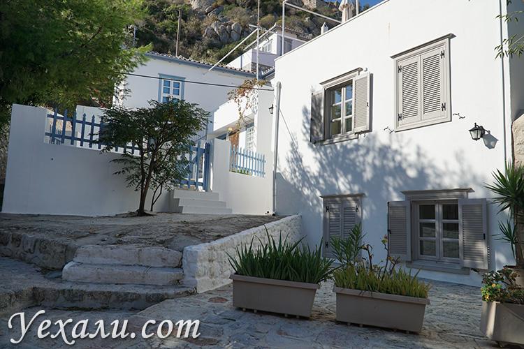 Остров Идра в Греции, дома и улицы