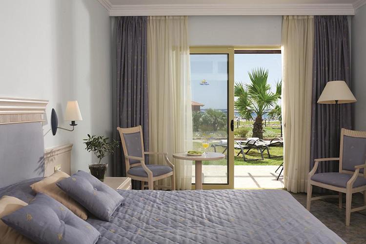 Какой отель в Греции выбрать? Lindos Princess Beach Hotel, Родос.