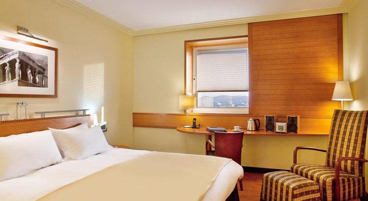 Лучшие отели Афин по соотношению цены и качества: