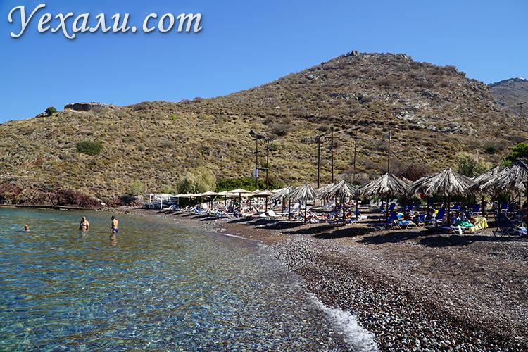 Пляж Влихос на острове Гидра в Греции
