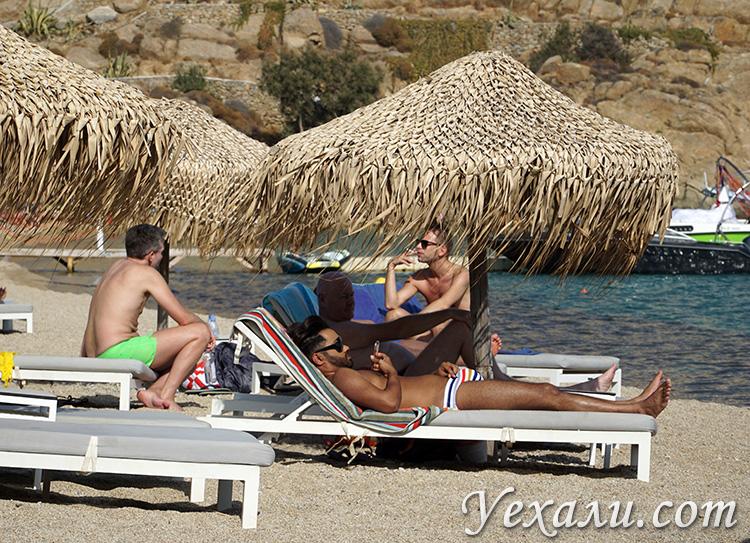 Гей-пляж Супер Парадайз на Миконосе