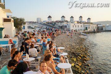 Главные достопримечательности Миконоса, Греция: ветряные мельницы.