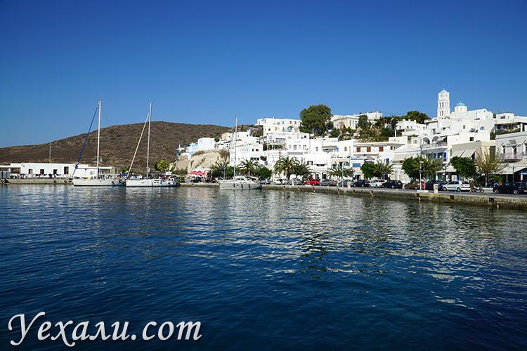 Лучшие фото острова Милос в Греции: город Адамантас.