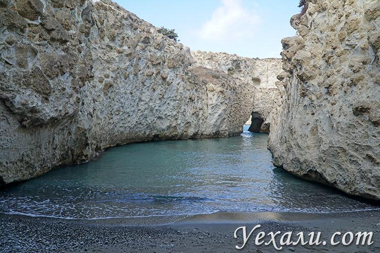 Лучшие фото острова Милос в Греции: пляж Папафрагас.