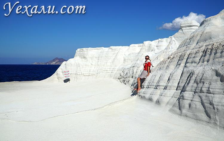 Лучшие фото острова Милос, Греция: пляж Саракинико.