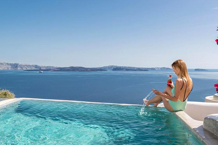 Лучшие отели Санторини (Греция) с видом на кальдеру вулкана: Andronis Boutique Hotel.