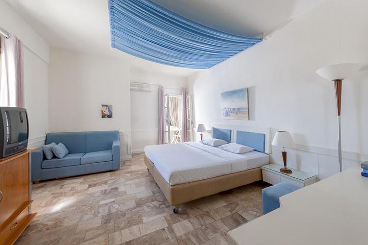 Лучшие отели Санторини с собственным пляжем: Anemos Beach Lounge Hotel