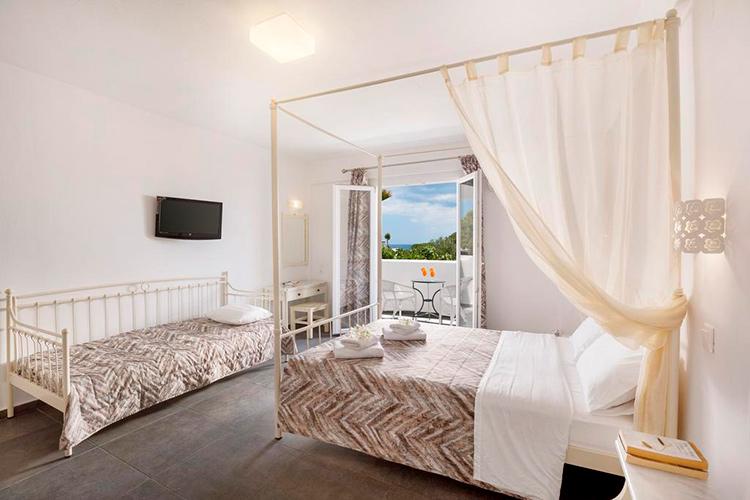 Лучшие отели Санторини с собственным пляжем: Sea View Beach Hotel