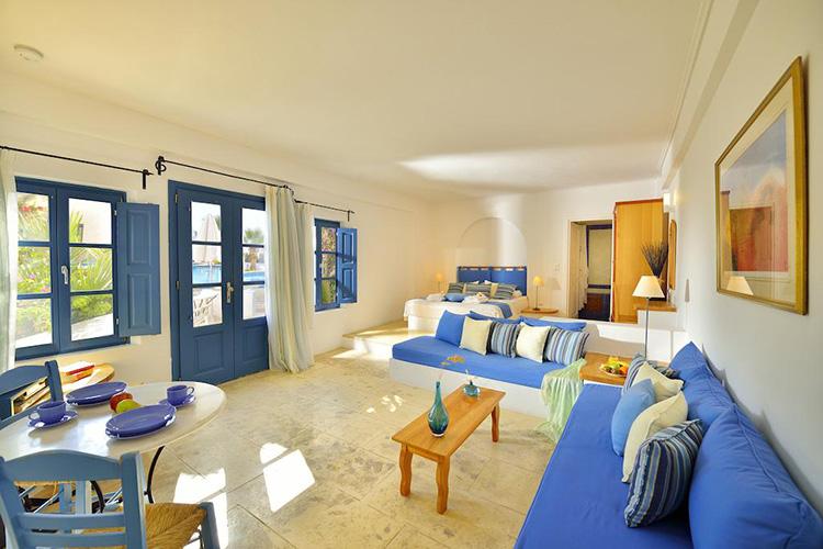 Лучшие отели острова Санторини, Греция: Tamarix Del Mar Suites.