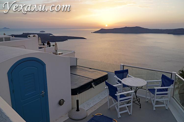 Что посмотреть на Санторини за два дня самостоятельно: закат в Фире.