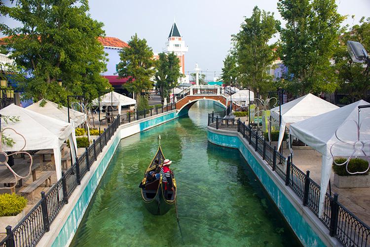 """Достопримечательности Хуа Хина, Тайланд. на фото """"Тайская Венеция""""."""