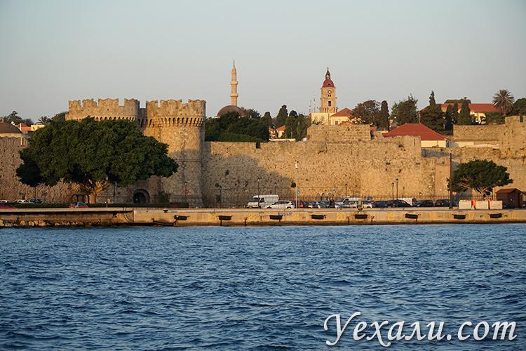 Самые красивые фото города Родос, Греция: крепостные стены.