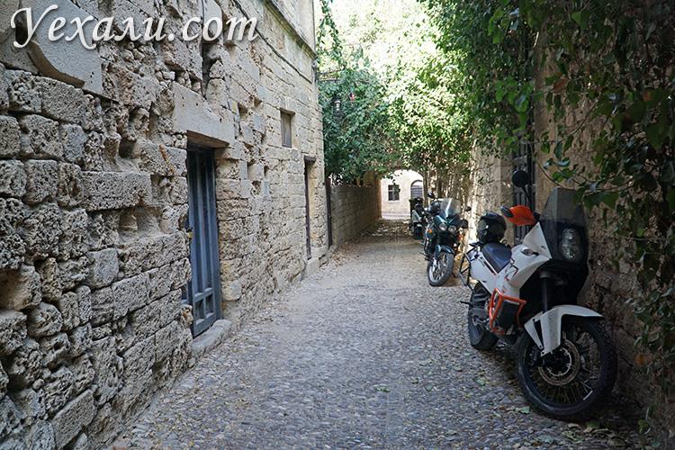 Достопримечательности Старого Города Родос: район улицы Рыцарей.