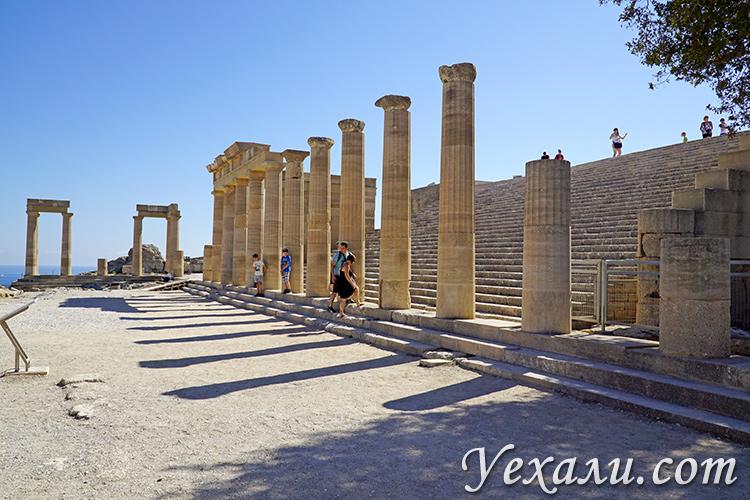 Достопримечательности острова Родос, Греция. На фото: акрополь Линдоса.