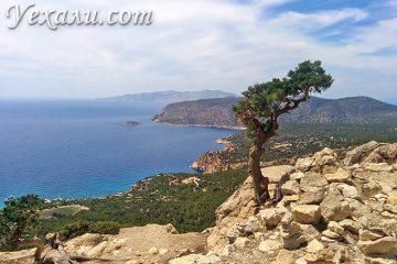 Достопримечательности острова Родос, Греция. На фото: замок Монолитос.