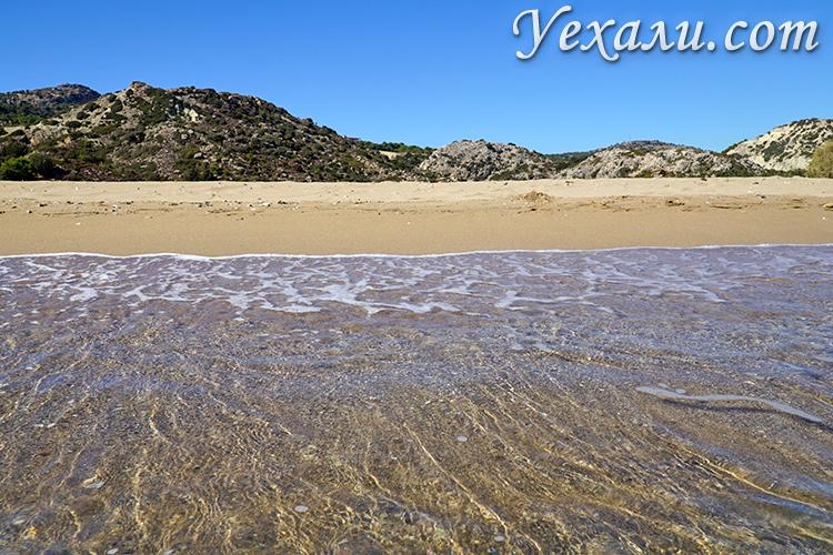 На фото: пляж Цамбика (Тсамбика), остров Родос, Греция.