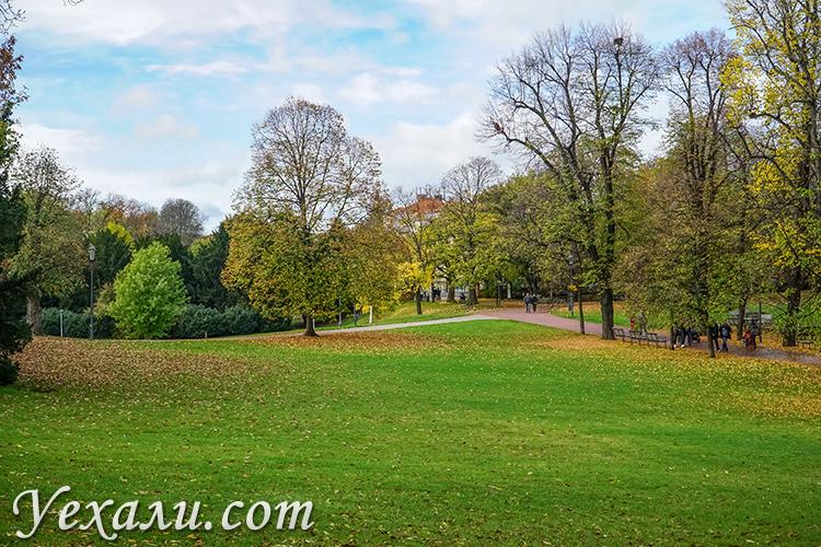 На фото: Летенские сады, Прага.