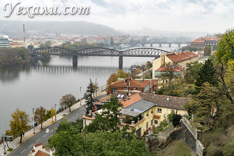 Лучшие смотровые площадки Праги. Фото мостов Праги из Вышеграда.