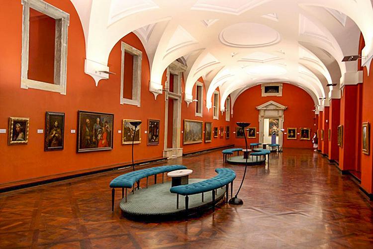 Пражский Град, достопримечательности. На фото: Картинная галерея Пражского Града.