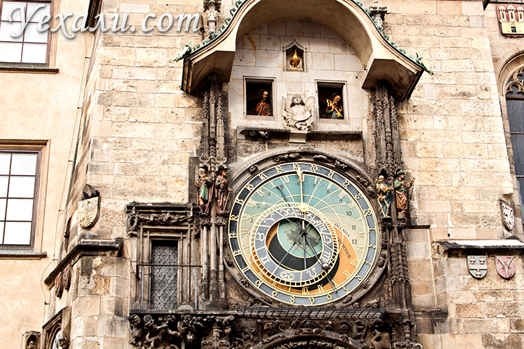 Что посмотреть в Праге за 7 дней самостоятельно. На фото: Пражские куранты.