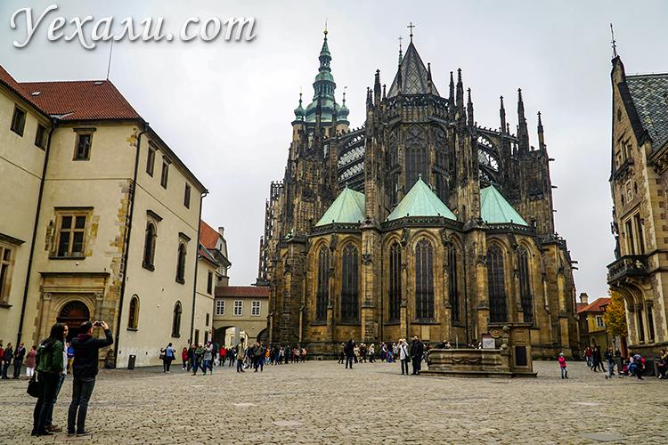 Достопримечательности Пражского Града, Прага, Чехия. На фото: собор святого Вита.