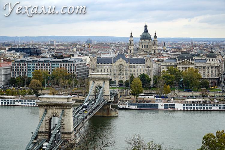 Лучшие фото Будапешта: панорама города с мостом Сечени и собором святого Иштвана.