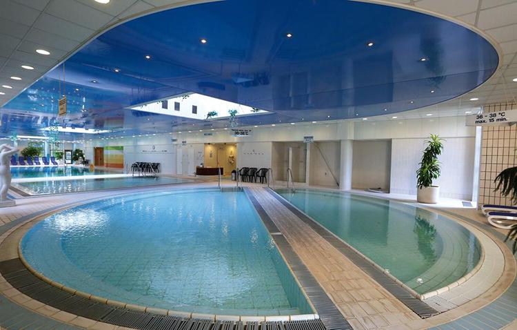 Отели Будапешта с термальными бассейнами: Danubius Hotel Helia.