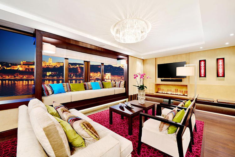 Лучшие отели в центре Будапешта 5 звезд. На фото: InterContinental Budapest.