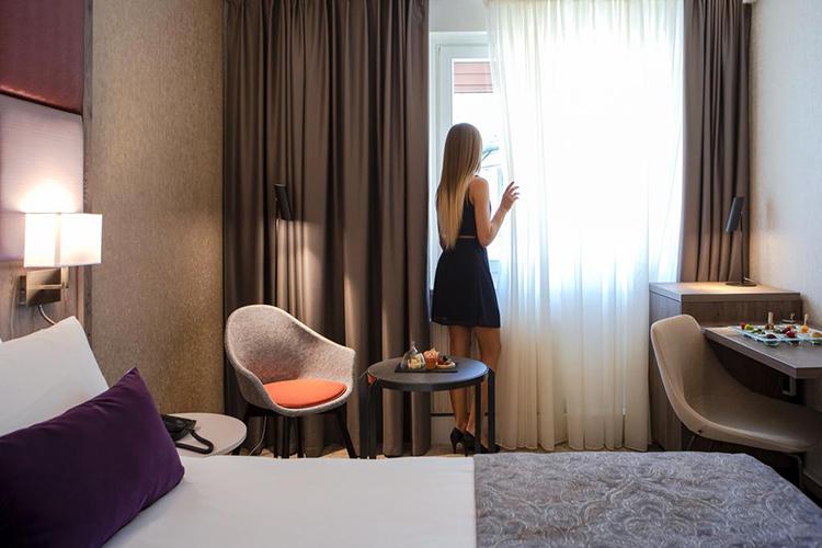 Лучшие отели в центре Будапешта 4 звезды. На фото: Mercure Budapest Korona.