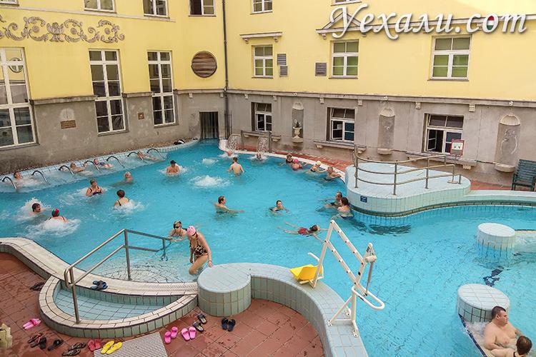Основные достопримечательности Будапешта. На фото: купальня Лукач.