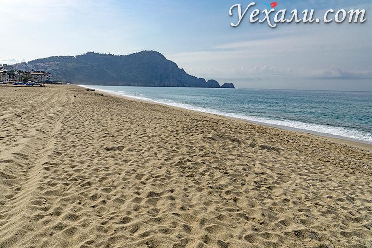 Самые красивые пляжи Турции. На фото: пляж Клеопатры в Аланье.