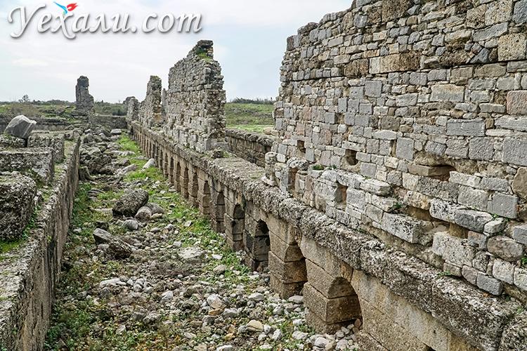 На фото: древний город Аспендос, Турция.