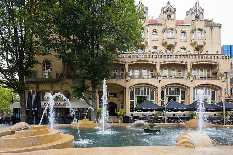 Хорошие отели в центре Амстердама 4 звезды: American Hotel.