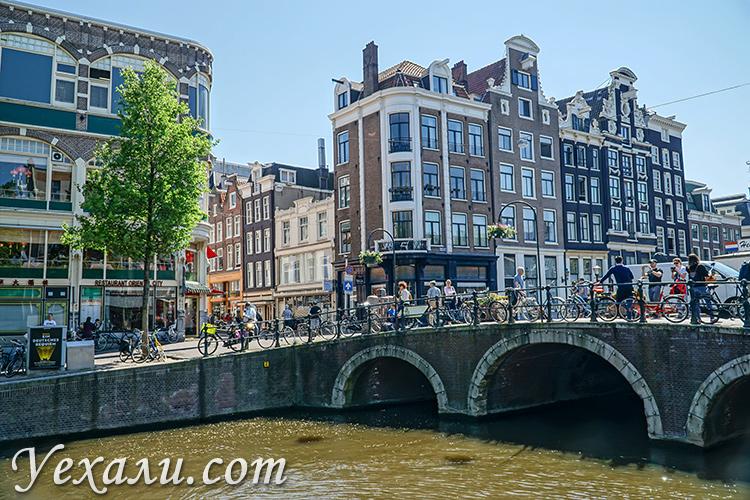 Где остановиться в Амстердаме и забронировать отель: Старый город.