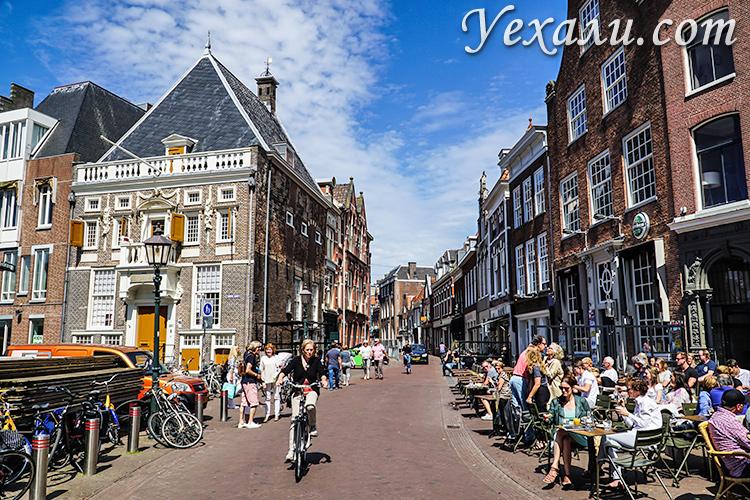 Где остановиться в Амстердаме и забронировать отель недорого: Харлем, Голландия.