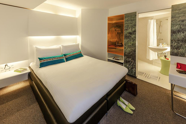 Отели в центре Амстердама, 3 звезды: Ibis Hotel.