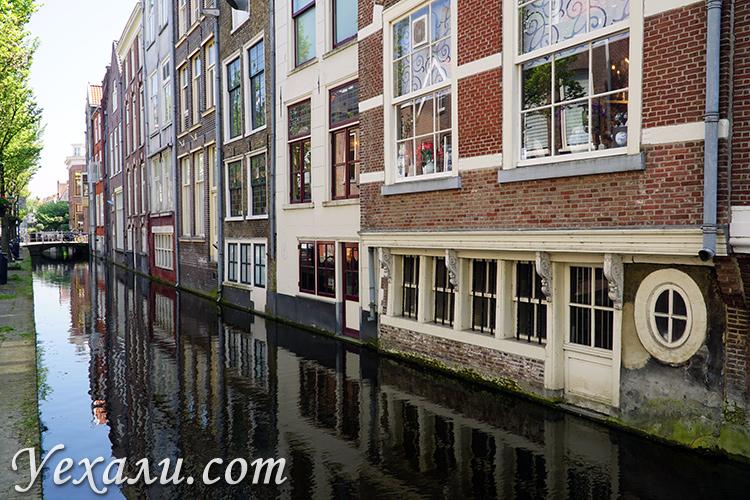 Фото домов на каналах в Амстердаме
