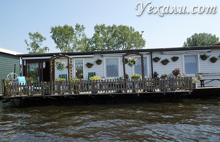 Дома на воде и каналах в Голландии, фотографии