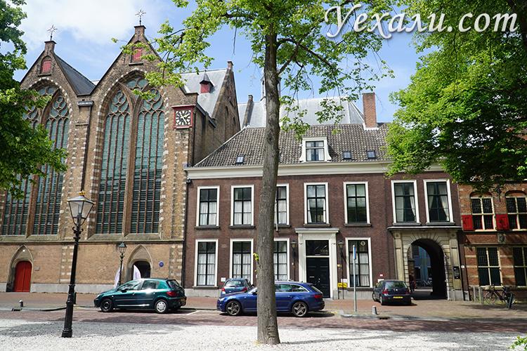 Улица Воорхаут в Гааге, Голландия.