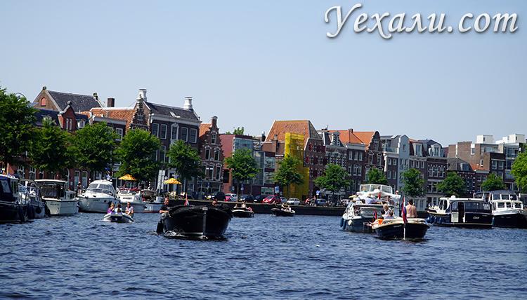 Дома на воде в городах Голландии